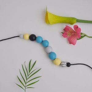 tropical pika na a ogrlica